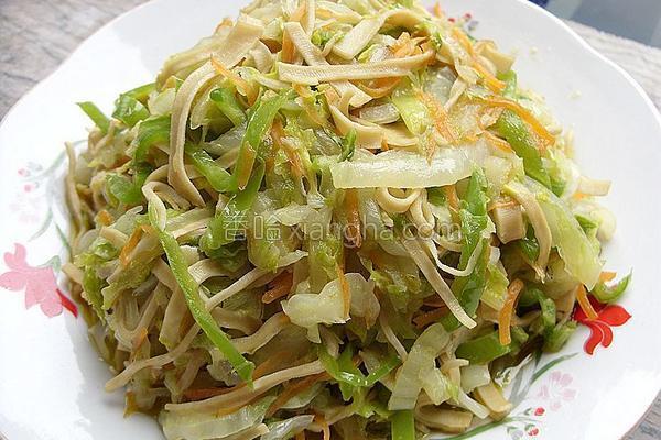 白菜炒千张丝的做法