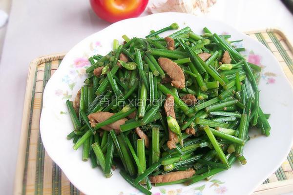 韭苔炒肉的做法