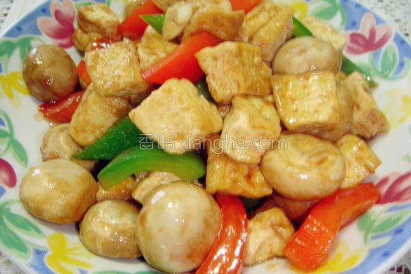 豆腐焖蘑菇的做法