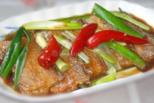 葱香带鱼的做法