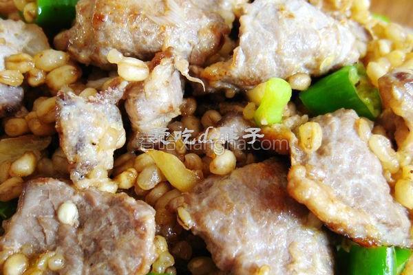 麦仁炒牛肉的做法