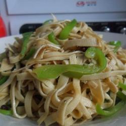青椒炒豆腐皮的做法[圖]