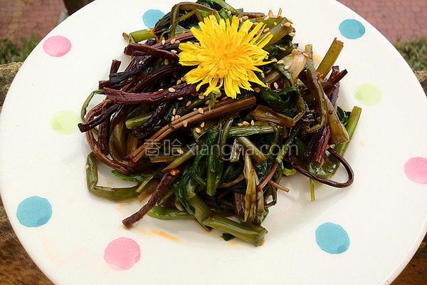 蒲公英拌蕨菜的做法