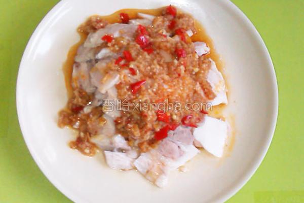 蒜泥剁椒拌白肉的做法
