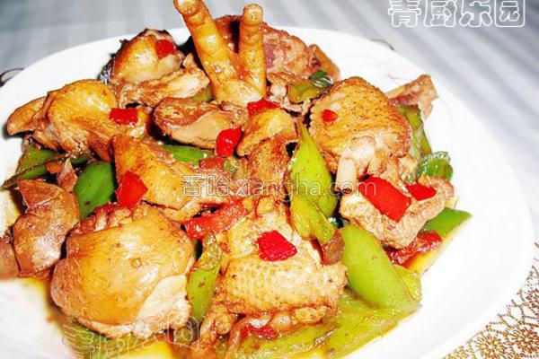 尖椒烧鸡块的做法