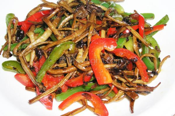 双椒茶树菇的做法