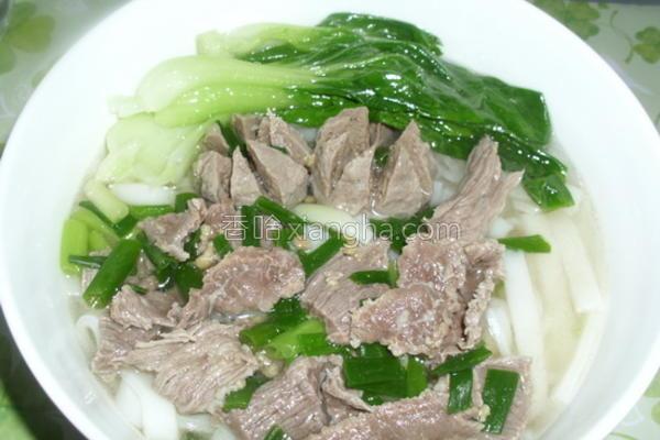 牛肉粿条汤的做法
