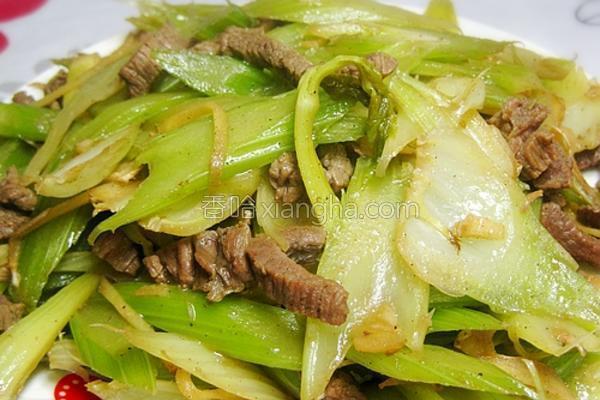 黑椒牛肉炒芹菜的做法