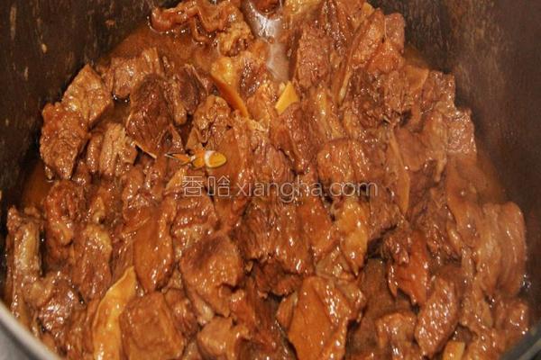 柱侯酱焖牛腩的做法