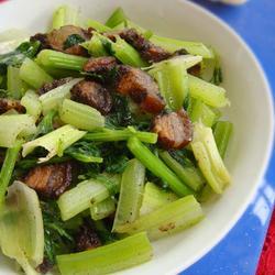 芹菜炒腊肉的做法[图]