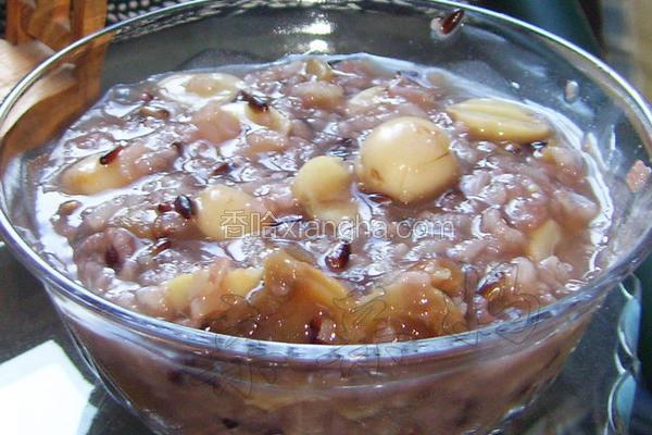 桂圆莲子蜜糯粥
