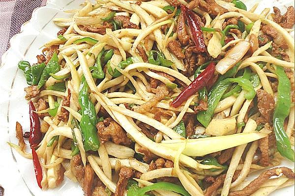 青椒茭白炒肉丝