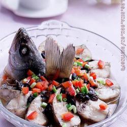 香辣豆豉蒸鲈鱼的做法[图]