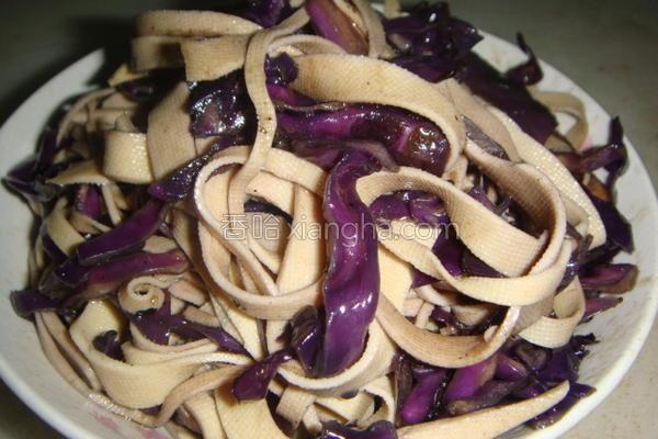 紫甘蓝炒千张的做法