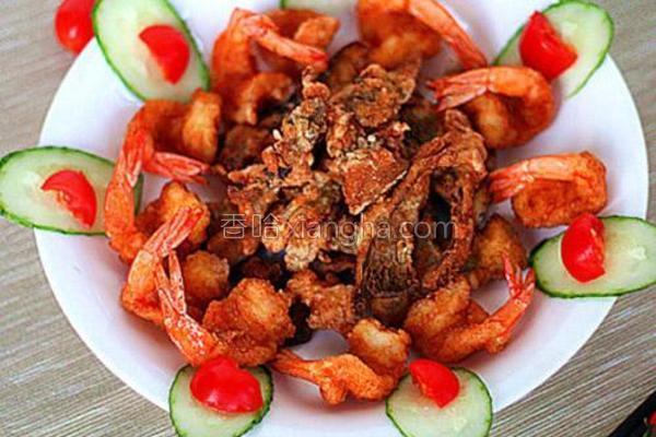 椒盐蘑菇凤尾虾的做法