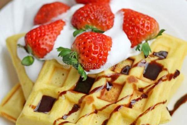 草莓奶油华夫饼的做法