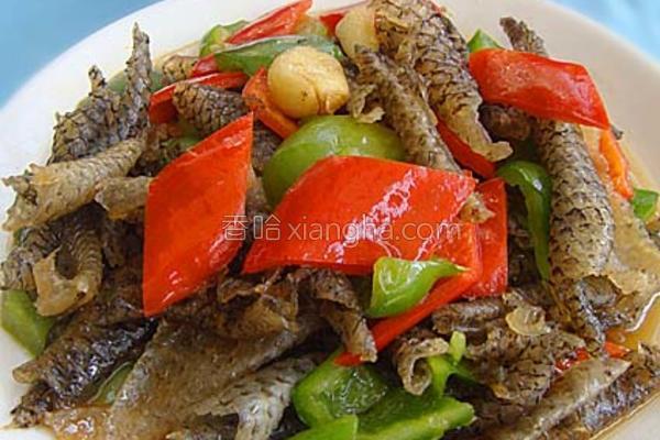 双椒炒鱼皮的做法