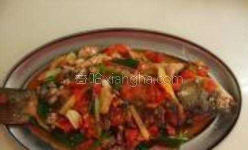 这就是番茄烧鱼,味道很咸鲜,我个人很喜欢这个味道,希望你也喜欢!