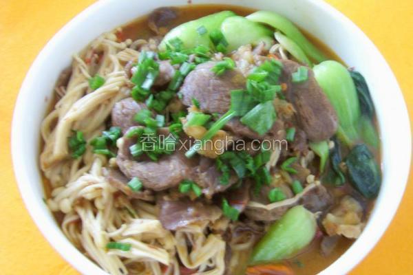青菜金针茹烩牛肉