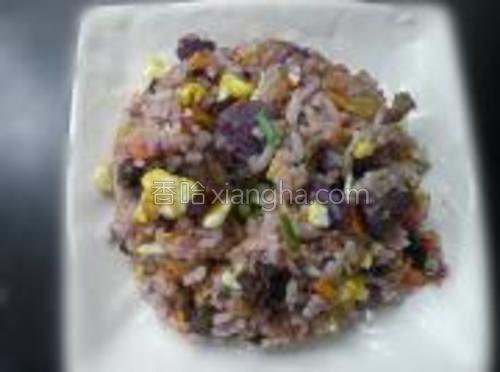 撒上少量食盐,鸡精,小米葱就可以出锅啦。