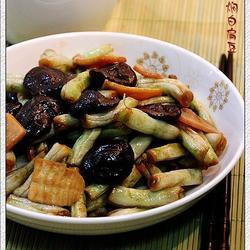 香菇焖白扁豆的做法[图]