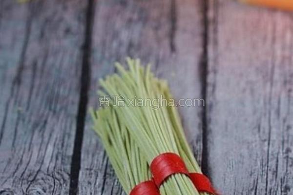 菠菜挂面的做法