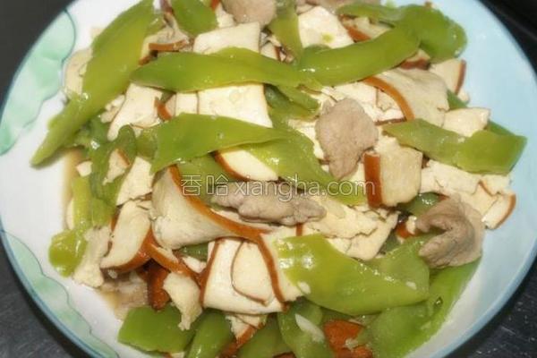 青尖椒炒豆干的做法