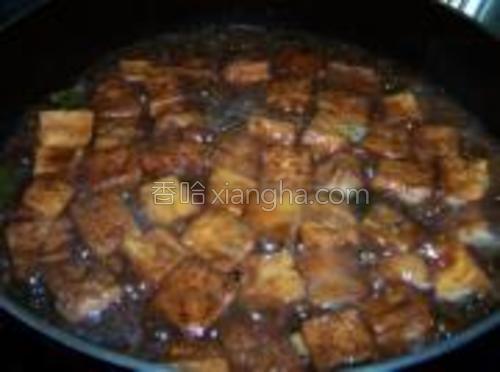 芶入薄芡,加入鸡精调味,出锅前淋入香油即可。