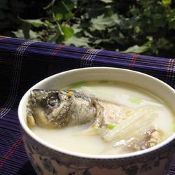 白萝卜丝鲫鱼汤的做法[图]