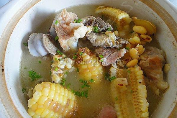 黄豆玉米炖蹄髈的做法