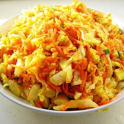 胡萝卜卷心菜炒馒头的做法[图]