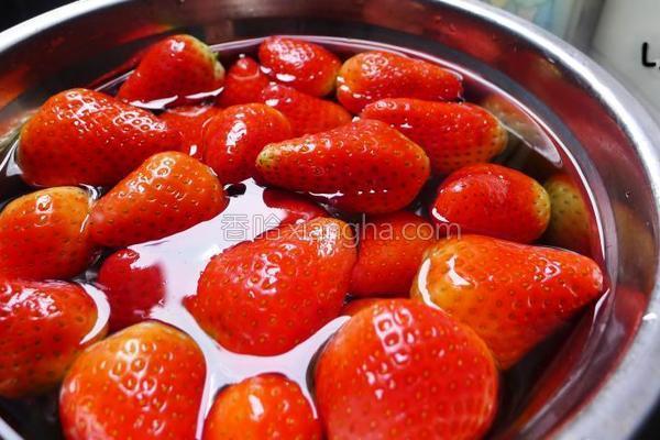 草莓酱制作的做法