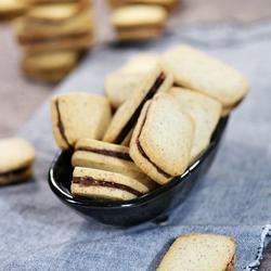 榛子巧克力夹心饼干的做法[图]