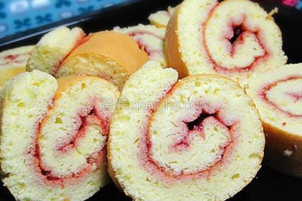 草莓酱蛋糕卷的做法