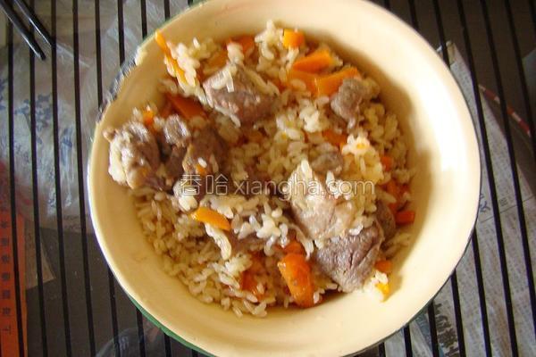 新疆羊肉手抓饭
