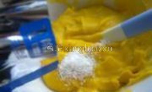 加入宝宝米粉调成糊状。