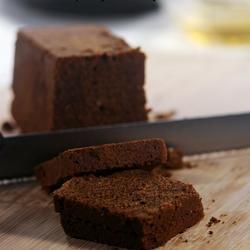 濃郁榛子巧克力蛋糕的做法[圖]