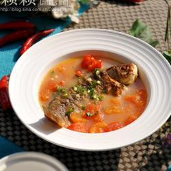 鲫鱼西红柿汤的做法[图]
