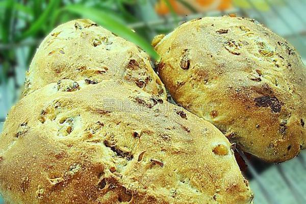 全麦核桃葡萄面包的做法