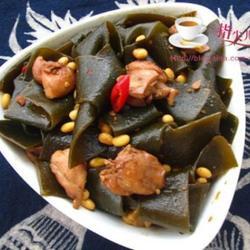 鸡肉酱烧海带黄豆的做法[图]