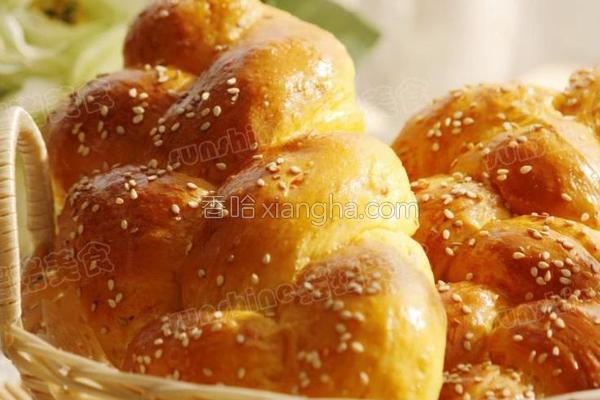 胡萝卜辫子面包的做法