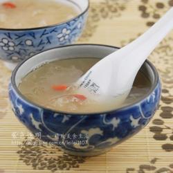 枸杞雪梨银耳甜汤的做法[图]