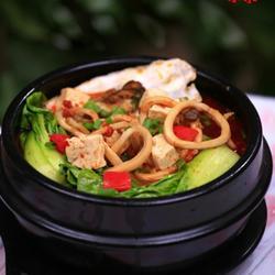 石锅牡蛎鱿鱼豆腐汤的做法[图]
