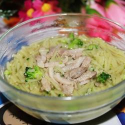 鸡汤菠菜面的做法[图]