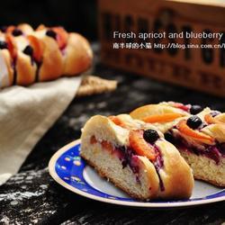 蓝莓甜杏面包的做法[图]