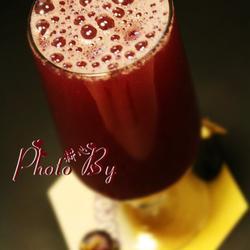 鲜榨夏黑葡萄汁的做法[图]