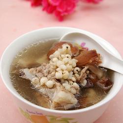 土茯苓骨头汤的做法[图]