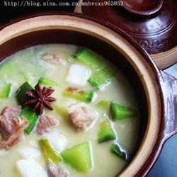 青萝卜山药羊肉汤的做法[图]