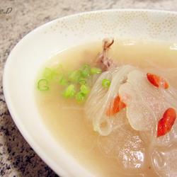 白萝卜鸭架粉丝汤的做法[图]