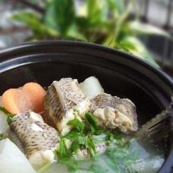 萝卜海梭鱼汤的做法[图]